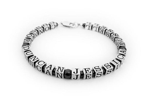 """CONNOR - DUNCAN - JESSICA - RUSSELL"" - 26 characters - Bracelet for Daddy with kids names"